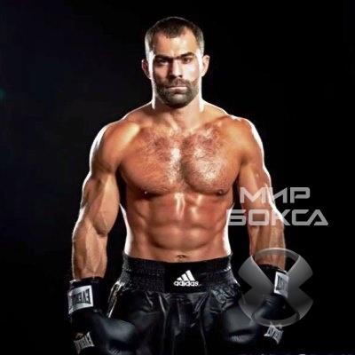 Рахим Чахкиев сразится за титул чемпиона мира IBO
