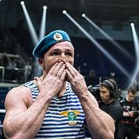 Денис Лебедев победил Марка Флэнагана