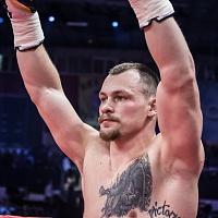 Алексей Егоров победил техническим нокаутом Латифа Кайоде